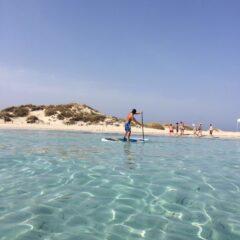 Alquilar un barco en Ibiza y probar el paddle surf